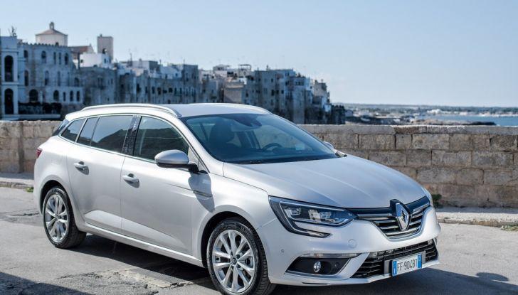 Nuova Renault Megane Sporter prova su strada, prezzi e motorizzazioni - Foto 10 di 56