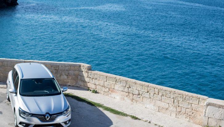 Nuova Renault Megane Sporter prova su strada, prezzi e motorizzazioni - Foto 11 di 56