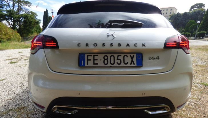 Prova su strada DS 4 Crossback BlueHDI 120: impressioni, allestimenti e prezzi - Foto 5 di 32