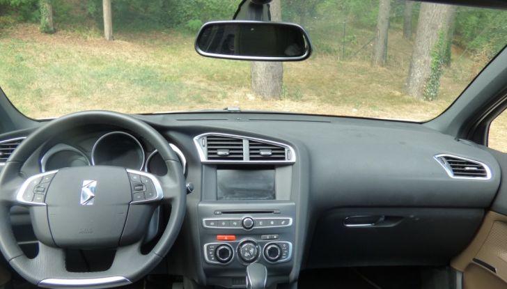 Prova su strada DS 4 Crossback BlueHDI 120: impressioni, allestimenti e prezzi - Foto 22 di 32