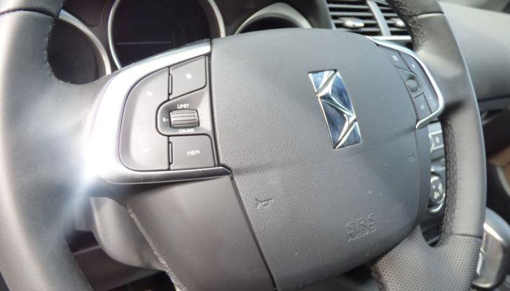Prova su strada DS 4 Crossback BlueHDI 120: impressioni, allestimenti e prezzi - Foto 27 di 32