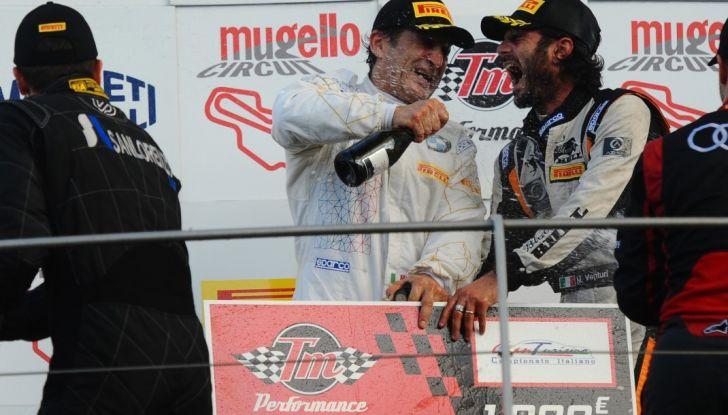 Alex Zanardi vince al Mugello nel Campionato Italiano GT con BMW - Foto 4 di 10
