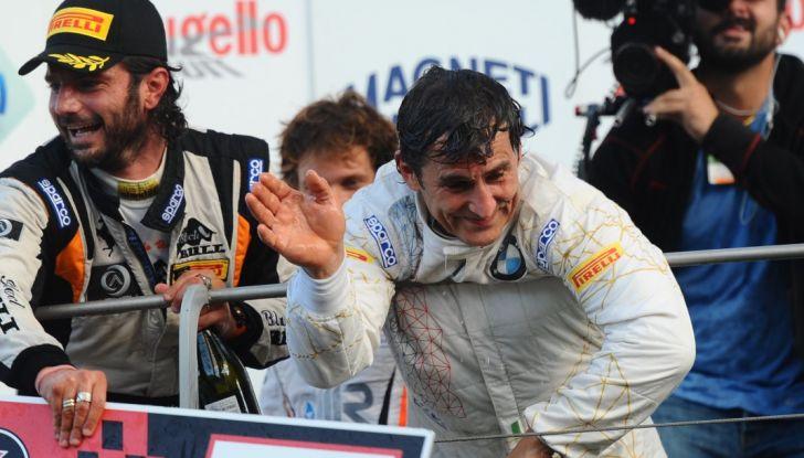 Alex Zanardi vince al Mugello nel Campionato Italiano GT con BMW - Foto 7 di 10