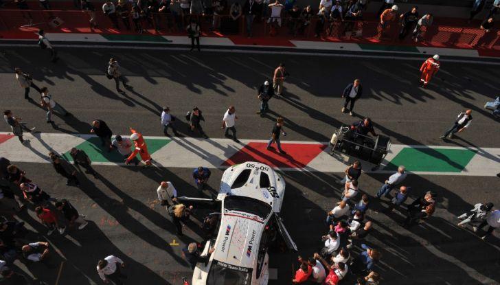 Alex Zanardi vince al Mugello nel Campionato Italiano GT con BMW - Foto 2 di 10