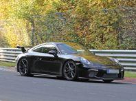 Porsche 911 GT3, nuove foto spia dei test su pista