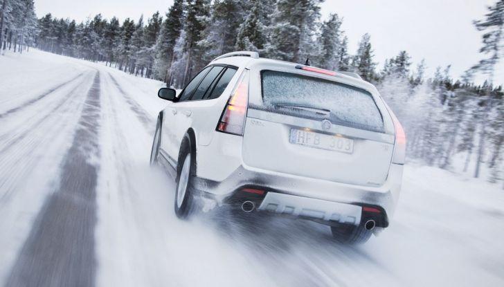Proteggere l'auto dal freddo invernale: consigli utili - Foto 2 di 9