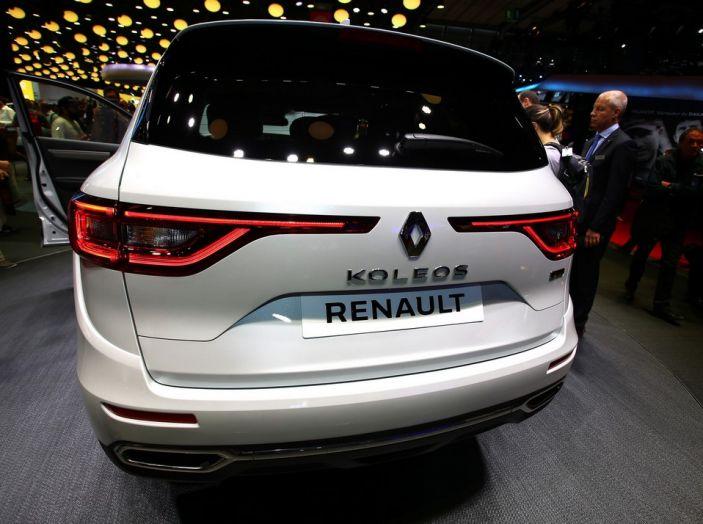 Renault Koleos svelata a Parigi la nuova crossover che potrebbe diventare ibrida - Foto 5 di 12