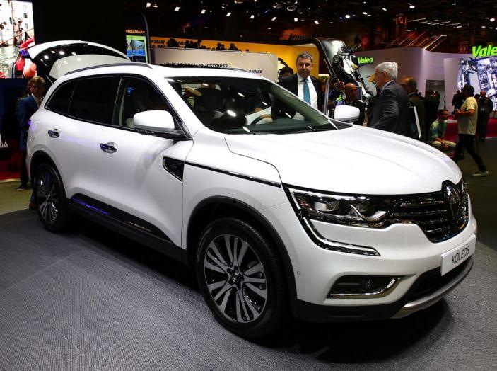 Renault Koleos svelata a Parigi la nuova crossover che potrebbe diventare ibrida - Foto 3 di 12