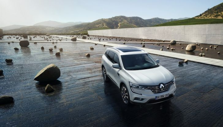 Renault Koleos svelata a Parigi la nuova crossover che potrebbe diventare ibrida - Foto 9 di 12