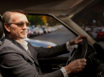 Obbligo occhiali alla guida: informazioni e sanzioni