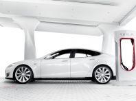 Tesla Supercharger, le nuove tariffe in Europa per viaggiare in elettrico