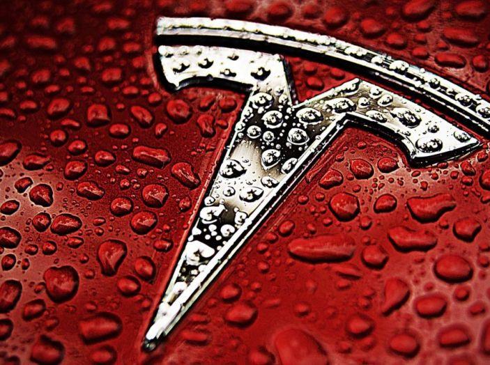 La batteria al litio più grande del mondo è opera di Tesla - Foto 7 di 9
