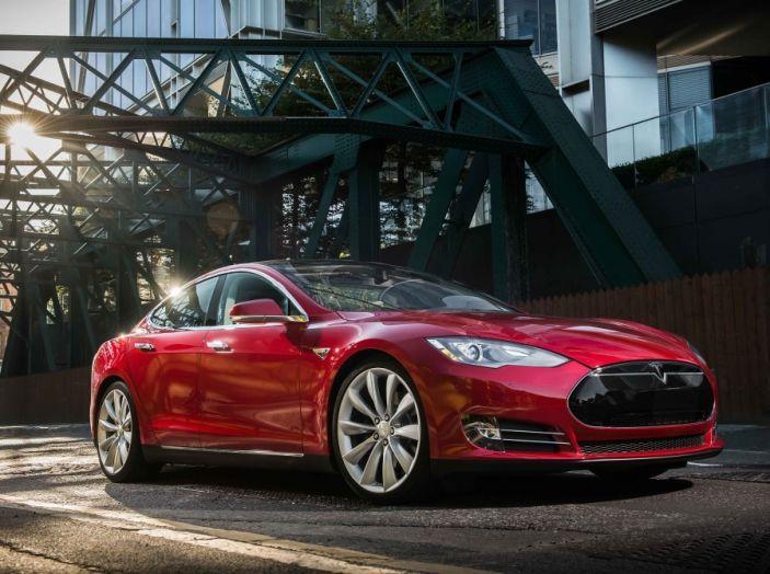 La batteria al litio più grande del mondo è opera di Tesla - Foto 8 di 9