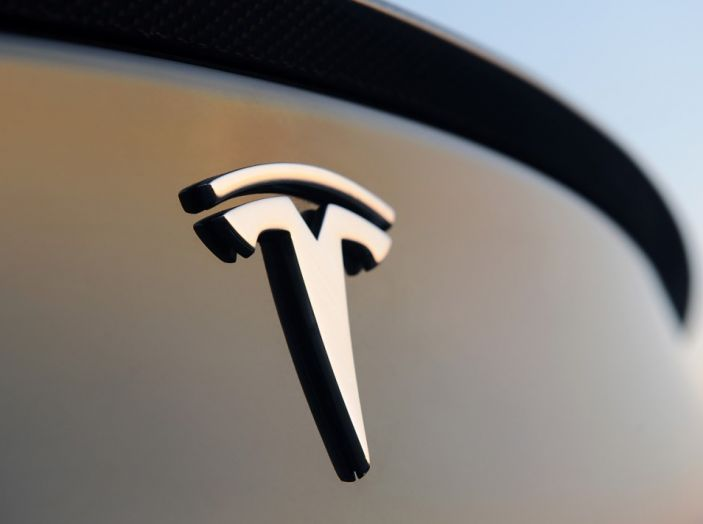 La batteria al litio più grande del mondo è opera di Tesla - Foto 2 di 9