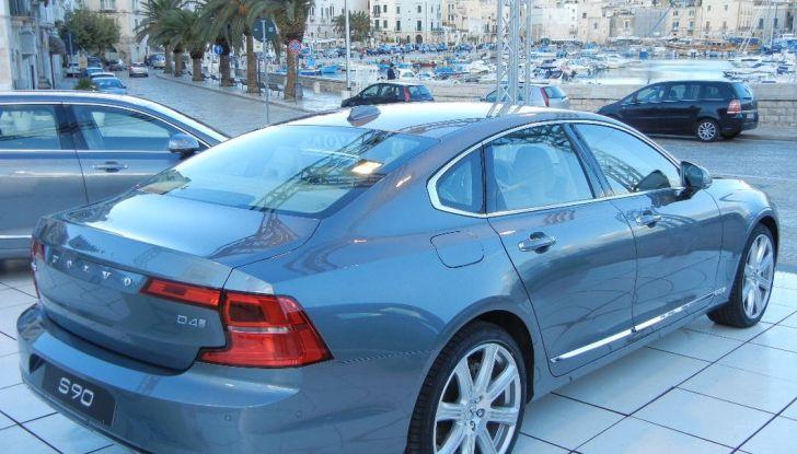 Nuova Volvo S90 prova su strada, motori, prestazioni e prezzi - Foto 2 di 26