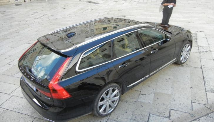 Nuova Volvo S90 prova su strada, motori, prestazioni e prezzi - Foto 20 di 26