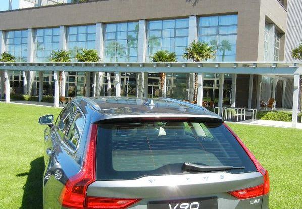 Nuova Volvo S90 prova su strada, motori, prestazioni e prezzi - Foto 25 di 26
