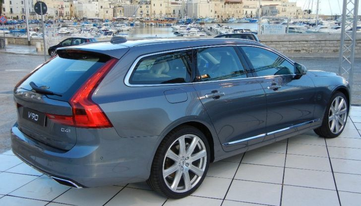 Nuova Volvo S90 prova su strada, motori, prestazioni e prezzi - Foto 4 di 26