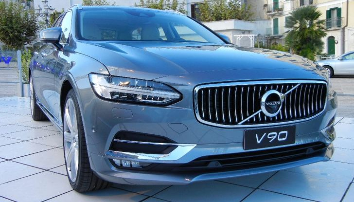 Nuova Volvo S90 prova su strada, motori, prestazioni e prezzi - Foto 5 di 26