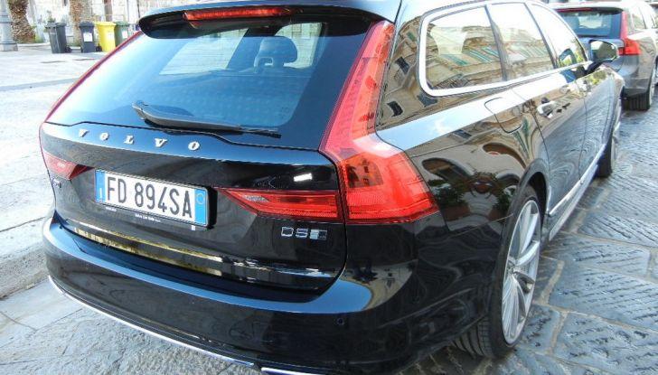 Nuova Volvo S90 prova su strada, motori, prestazioni e prezzi - Foto 8 di 26