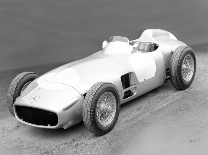 La storia dei motori Diesel nelle auto compie 80 anni con Mercedes-Benz - Foto 4 di 8