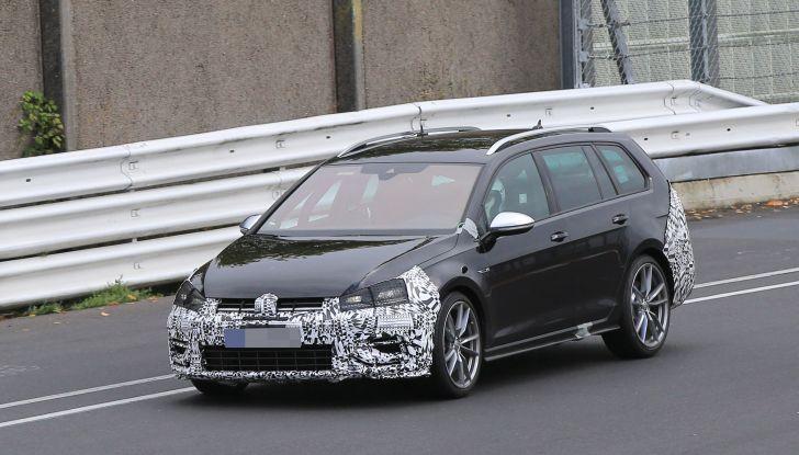 Nuova Volkswagen Golf VII R Variant 2018, foto spia al Ring - Foto 9 di 18