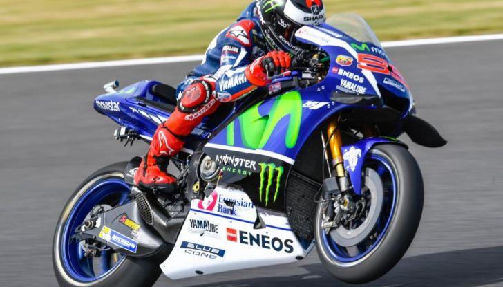 Risultati MotoGP 2016, Motegi: pole a Rossi, Marquez secondo - Foto 4 di 33