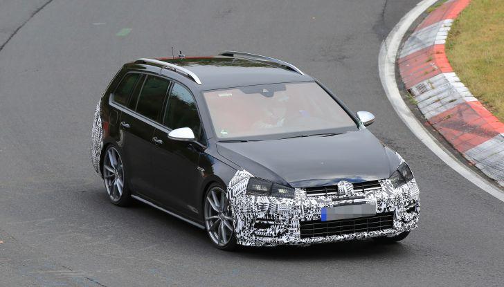 Nuova Volkswagen Golf VII R Variant 2018, foto spia al Ring - Foto 12 di 18