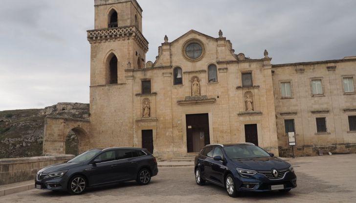 Nuova Renault Megane Sporter prova su strada, prezzi e motorizzazioni - Foto 2 di 56