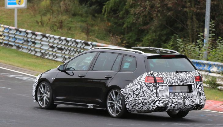 Nuova Volkswagen Golf VII R Variant 2018, foto spia al Ring - Foto 7 di 18