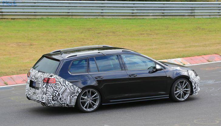Nuova Volkswagen Golf VII R Variant 2018, foto spia al Ring - Foto 15 di 18