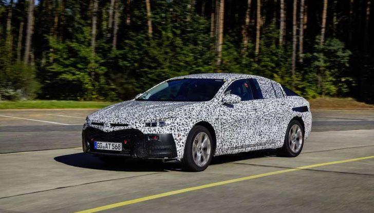 Nuova Opel Insignia Grand Sport test drive, prestazioni e dotazioni - Foto 9 di 10