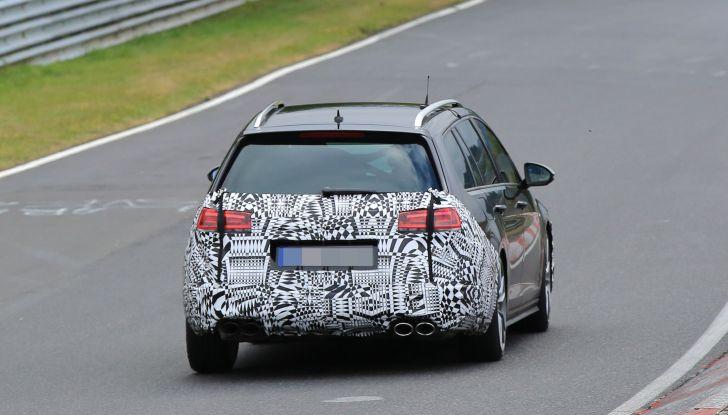 Nuova Volkswagen Golf VII R Variant 2018, foto spia al Ring - Foto 18 di 18