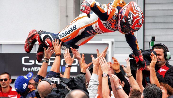MotoGP 2016, Valencia: pole a Lorenzo, Rossi partirà dalla terza posizione - Foto 12 di 19
