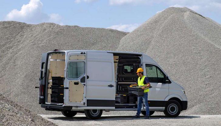 Volkswagen Crafter prova su strada del veicolo commerciale di nuova generazione - Foto 11 di 34