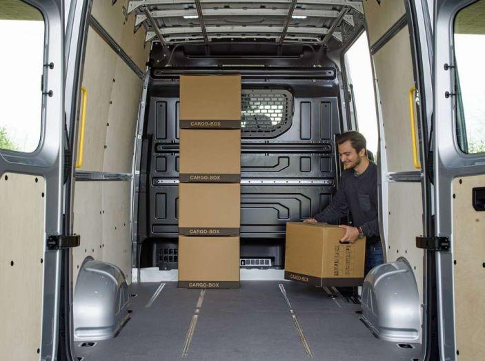 Volkswagen Crafter prova su strada del veicolo commerciale di nuova generazione - Foto 20 di 34