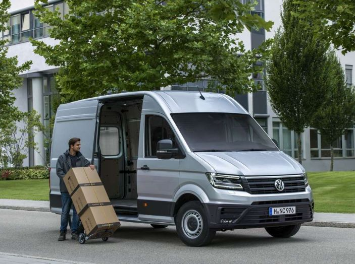 Volkswagen Crafter prova su strada del veicolo commerciale di nuova generazione - Foto 2 di 34