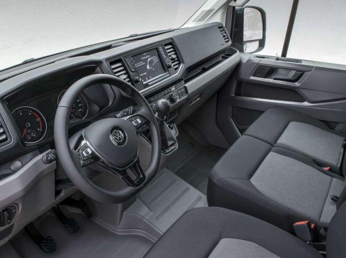 Volkswagen Crafter prova su strada del veicolo commerciale di nuova generazione - Foto 21 di 34