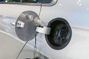 come-funziona-la-ricarica-batterie-auto