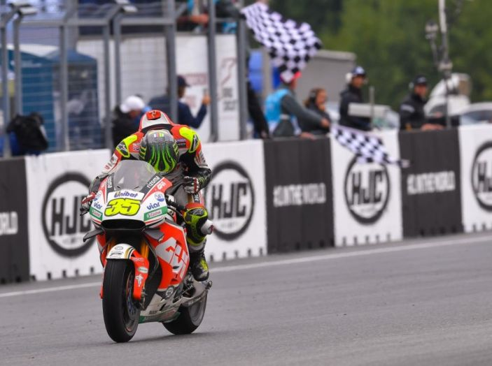 Risultati MotoGP 2016, Valencia: Lorenzo vince l'ultima gara della stagione, Rossi quarto - Foto 16 di 19