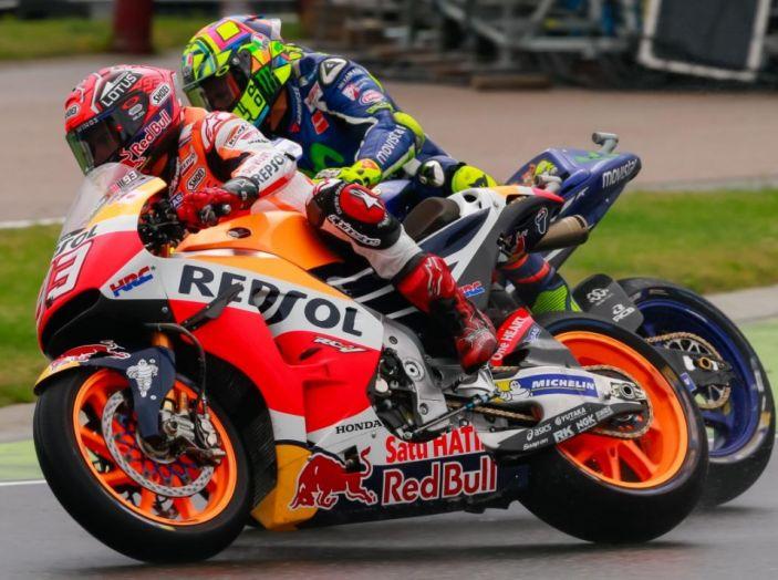 MotoGP 2016, Valencia: pole a Lorenzo, Rossi partirà dalla terza posizione - Foto 19 di 19