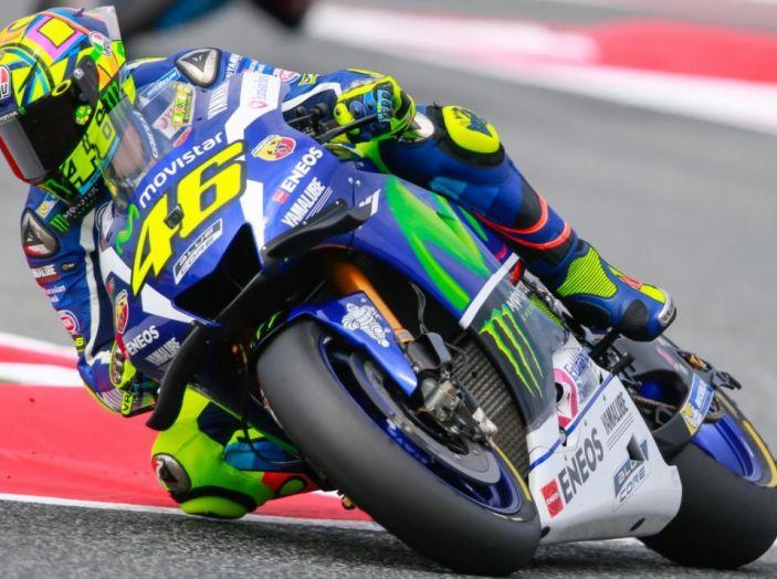 Valentino Rossi, frattura tibia e perone in allenamento: stagione finita - Foto 7 di 14
