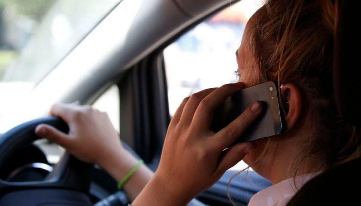 cellulare-alla-guida