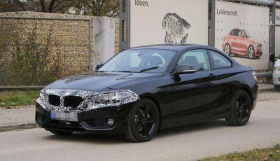 BMW Serie 2 Coupé, foto spia del restyling di metà carriera