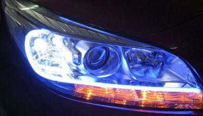 Dai gruppi ottici alle spie: tutte le luci presenti in un'auto