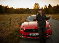In Svezia un arzillo 97enne si regala una Ford Mustang V8 5.0