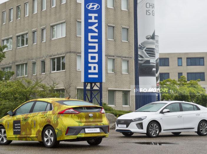 Auto ecologiche: capire il progresso tra ibride, elettriche e plug-in - Foto 2 di 7