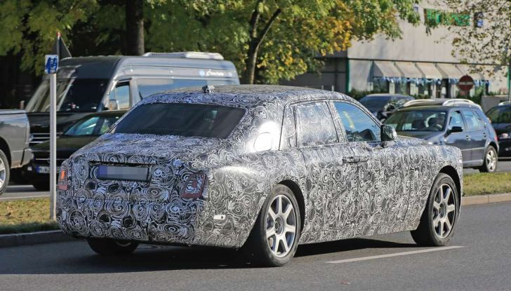 Nuova Rolls Royce Phantom spiata con nuovi dettagli e particolari - Foto 9 di 10