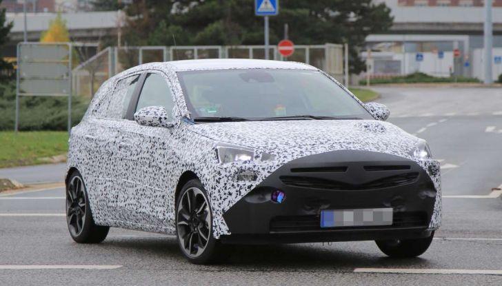 Opel Corsa 5 porte, prime foto spia dei test su strada - Foto 13 di 19