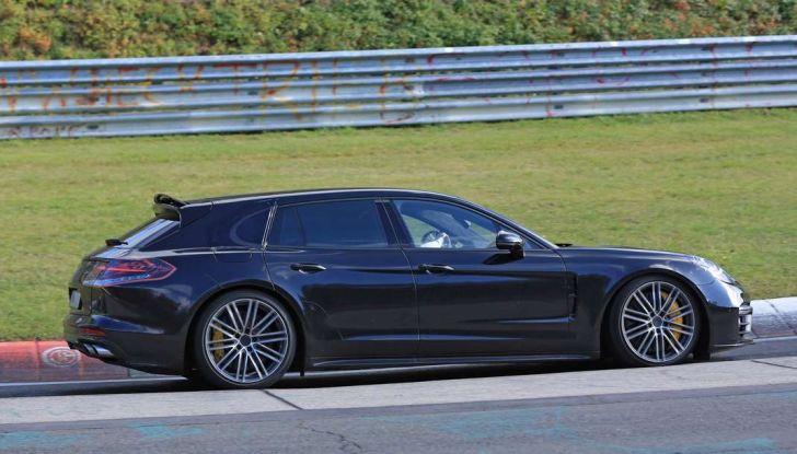 Porsche Panamera Shooting Brake, le foto spia della versione quasi definitiva - Foto 3 di 13